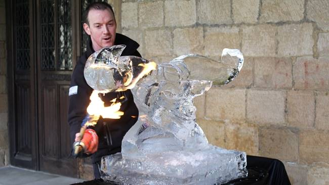 Fire&Ice InDurham returns with two iconic sculptures gracing the grounds of Durham Cathedral