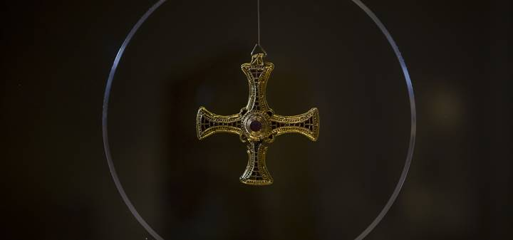 St Cuthbert's pectoral cross