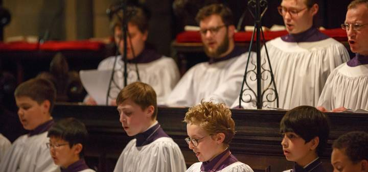 Durham Cathedral Choir sings at Evensong